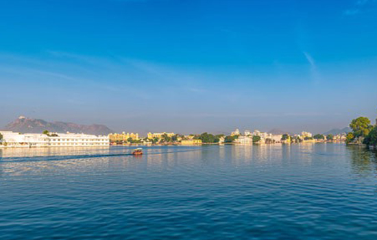 Who owns the lakes of Udaipur?