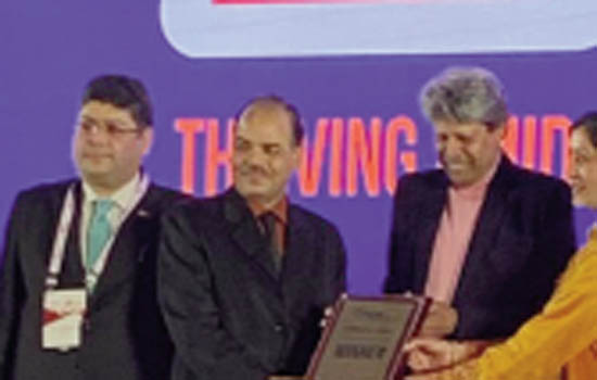 Sachin Motors received All India Best Dealers Award