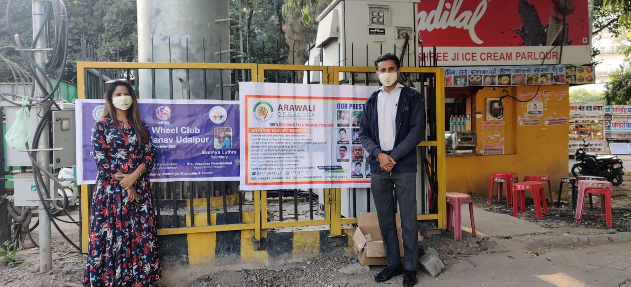 Inner Wheel Club of Being Manav distributed masks to the needy.