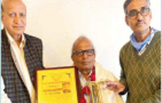 Dr. Mahendra Bhanawat awarded the Kala Samay Lokshakha Samman