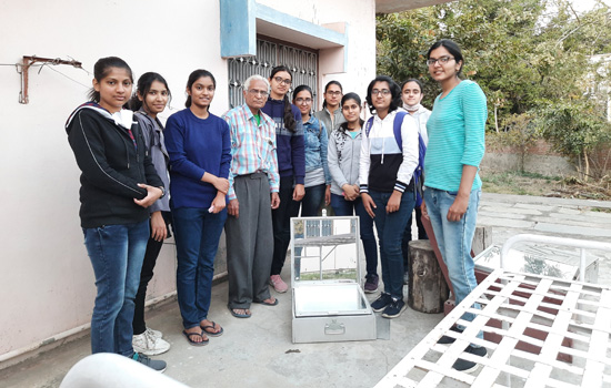 A solar cooker is a boon for working women.