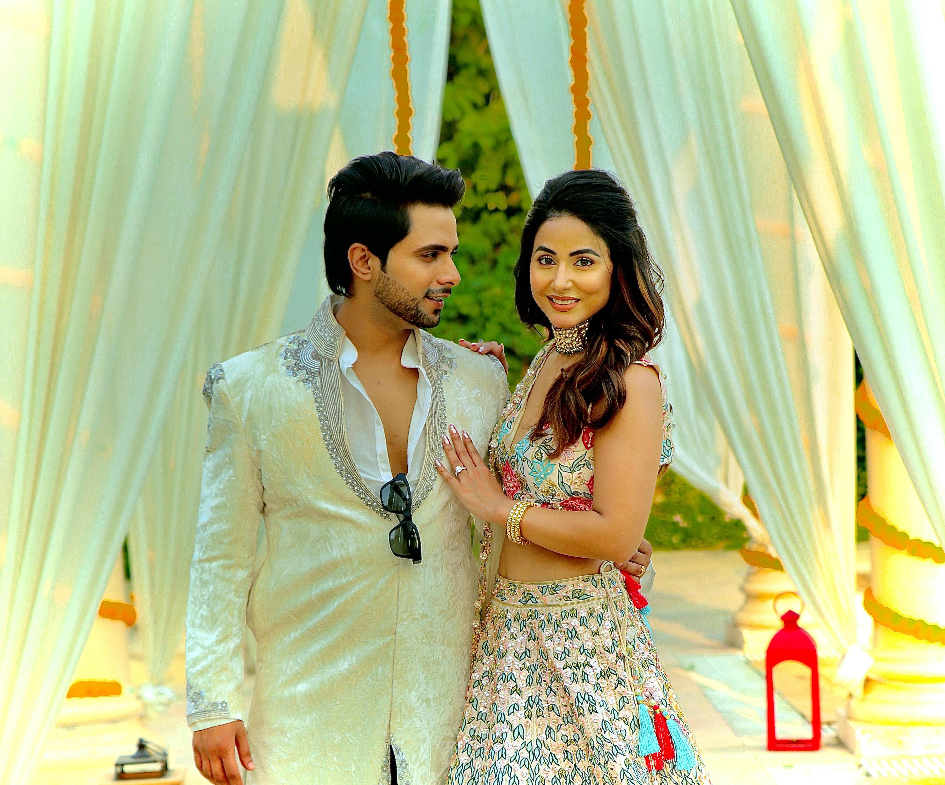 """Tanmay Ssingh and Hina Khan's romantic pair in B Praak' & Jaani Musical """"Patthar Wargi"""""""