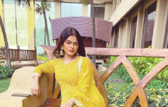 Singer Saniya Saiyad recreates Tujhse Naaraz Nahi Zindagi as an ode to environment