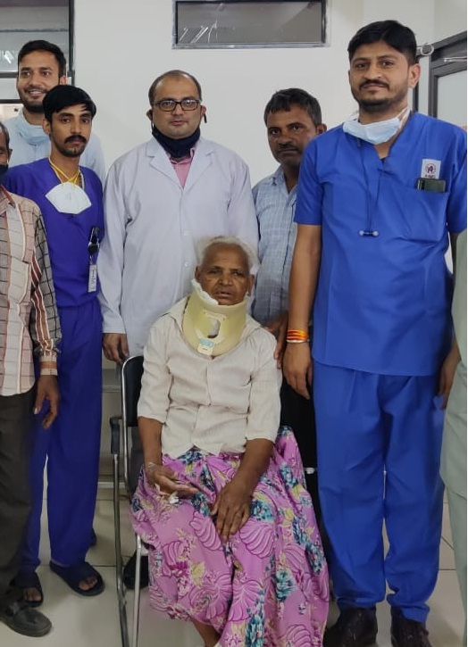 As soon as the pressure of the veins was removed, the older woman started walking.