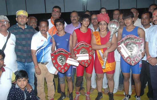 Nikki : The First Female  Virat Bharat Kesari
