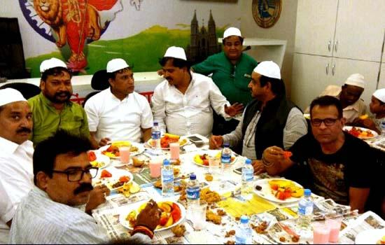 Grand 'Roza Iftar Party' organized
