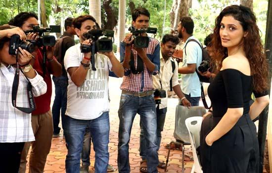 Ragini Khanna clicked for Gurgaon at Bandra