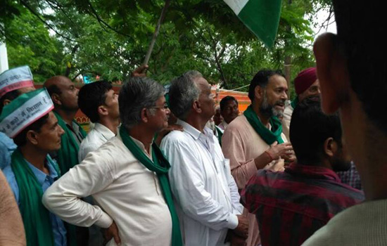 Peasants are committing suicide and are also being shot at : Yogendra Yadav