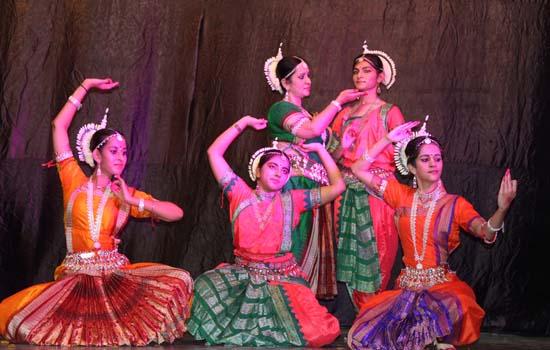 Maharashtra Mandal's Sarvjanik Ganeshotsav showcases many Cultural Events