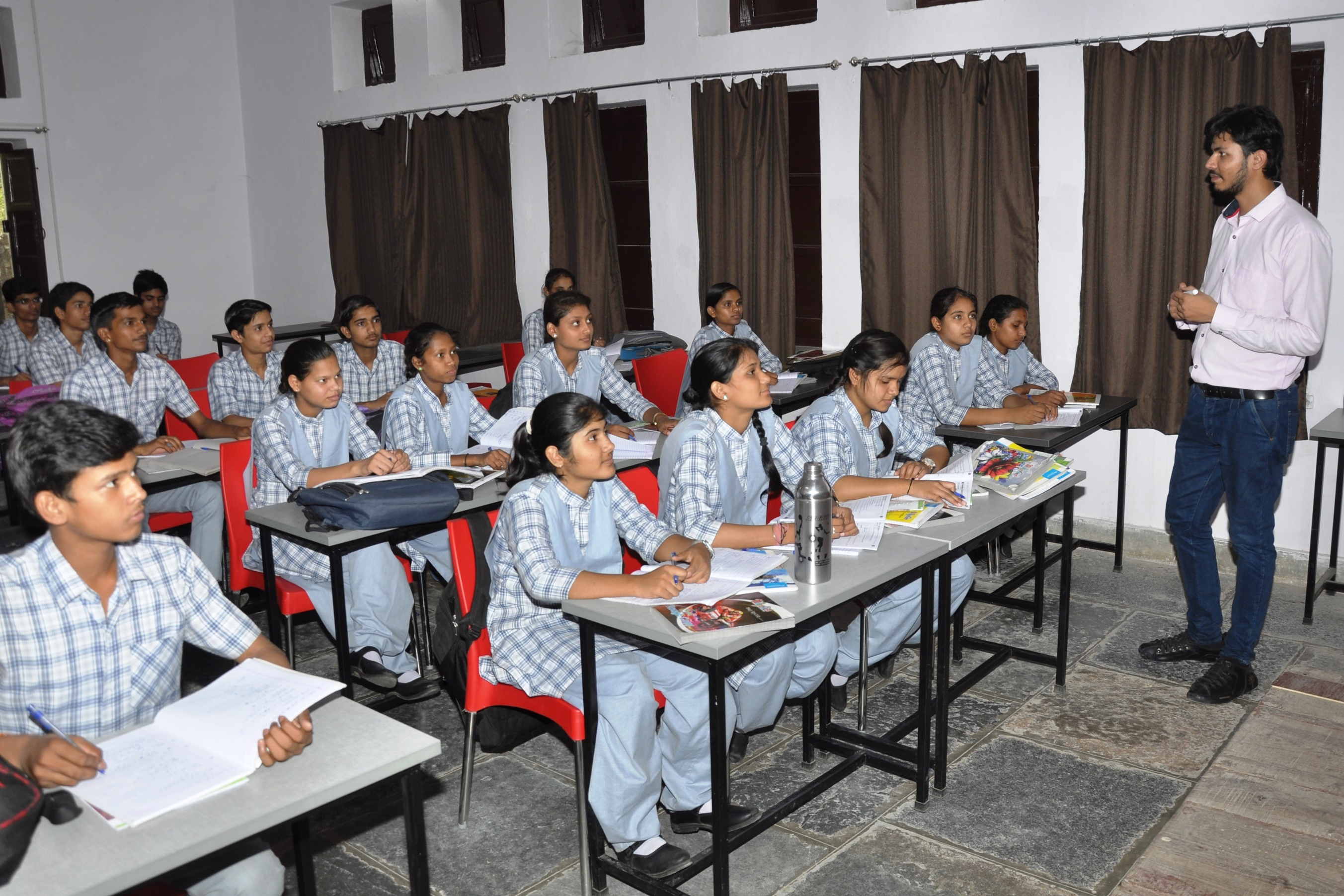 UNCHI UDAAN GIVE WINGS TO 56 SELECT RURAL & TRIBAL STUDENTS