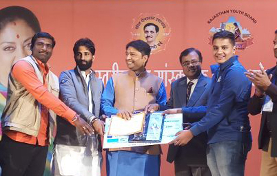 Kala Ratna Award for Dhananjay of MMPS
