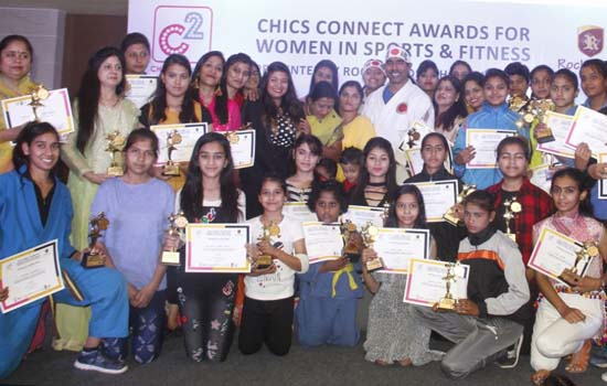 CHICS CONNECT AWARDS FOR WOMEN IN SPORTS AND FITNESS