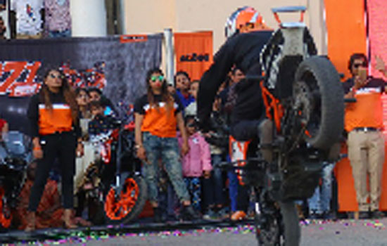 KTM organises a spectacular Stunt show in Udaipur