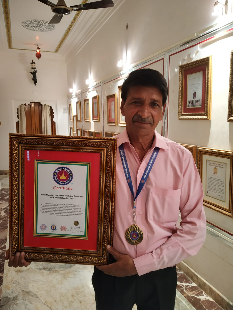 Currency man Bhanawat enters High Range Book of World Records America