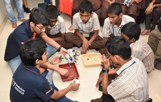 Robotics Workshop With Hearing Impaired Children
