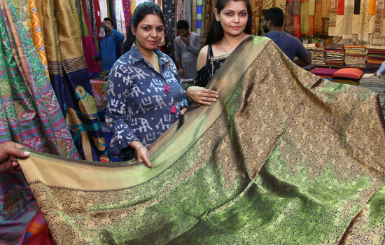 Silk India - 2019-An exhibition cu sale attracting udaipurites