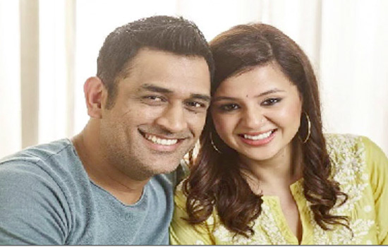 MS DHONI, TOGETHER WITH WIFE SAKSHI DHONI, SHARES HIS SMILE & STORIES