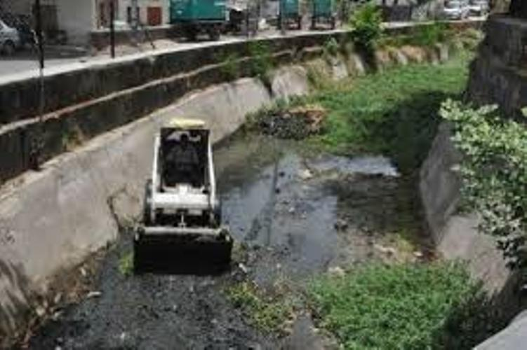 Cleaning process of linking canals commenced