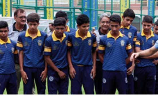 """WISH I HAD INFRASTRUCTURE AND FACILITIES LIKE THIS"""" , SAYS SUNIL CHHETRI ON HIS VISIT TO ZINC FOOTBALL"""