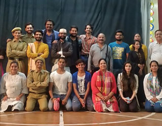 Reality of theatre artists shown through 'Pocketmar Rangmandal'