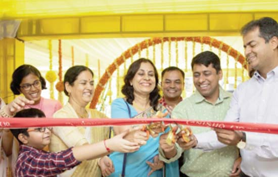 TANISHQ, India's MOST trusted Jeweller opens its new showroom at udaipur !